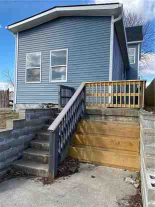 How do I find someone to build a deck in Indianapolis?