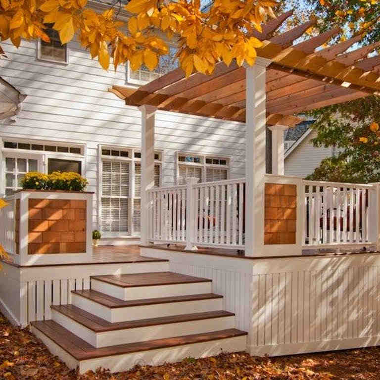 How much should I get paid to build a deck?